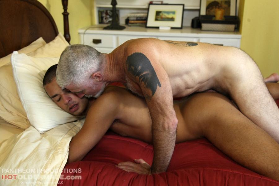 gay men bbc anal w cum bareback